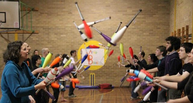 Juggling Workshops with Kit Summers